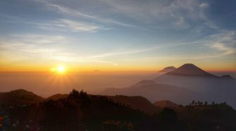 mount merbabu sunrise trekking tour