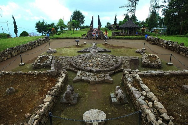 Cetho Temple (Candi Cetho): The Exotic And Sacret Place